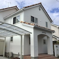 とんがり屋根の大人かわいい家