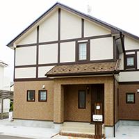 好きなものに囲まれて暮らす、憧れのチューダー様式の家